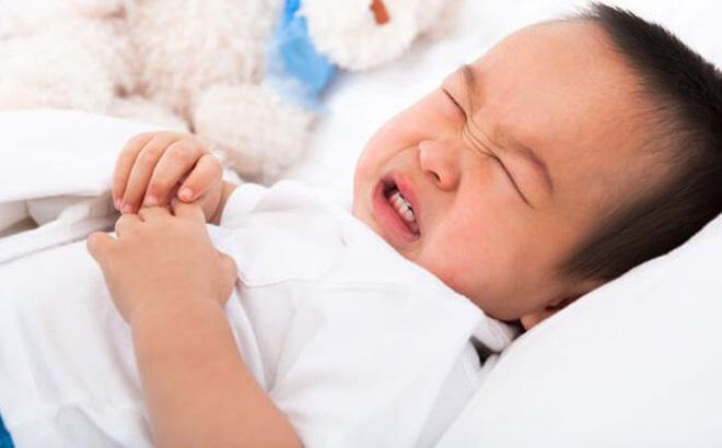 Trẻ bị rối loạn tiêu hóa sau Tết, đây là điều cha mẹ nên làm - Ảnh 1
