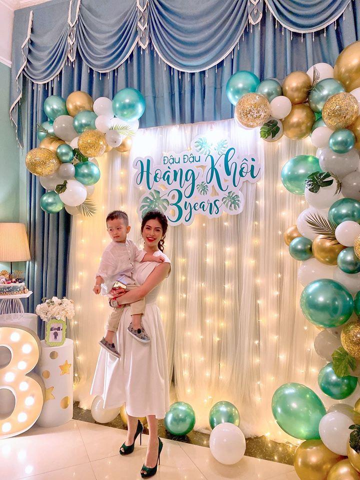 Hậu ly hôn, Việt Anh và vợ cũ 'tái hợp' vì niềm vui của con trai chung - Ảnh 1