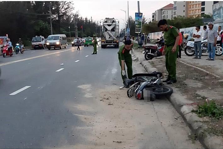 Nữ công nhân bị xe bồn kéo lê gần 20 mét, tử vong thương tâm trên đường đi làm về gần đến nhà - Ảnh 1