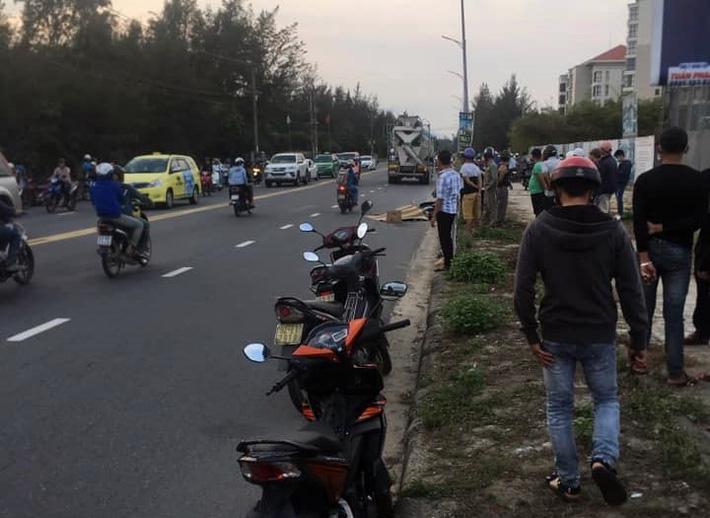Nữ công nhân bị xe bồn kéo lê gần 20 mét, tử vong thương tâm trên đường đi làm về gần đến nhà - Ảnh 2