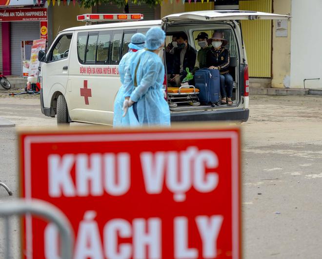 Bệnh nhân 243 mắc COVID-19 từng tiếp xúc nhiều người, đi buôn hoa - Ảnh 1