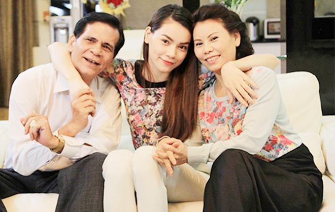 Giữa tâm bão scandal, mẹ của các sao Việt này vẫn mạnh mẽ trở thành hậu phương vững chắc cho con - Ảnh 7