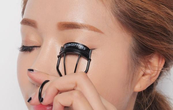 Mẹo trang điểm giúp cho nàng mắt xếch trở nên đẹp hút hồn - Ảnh 1