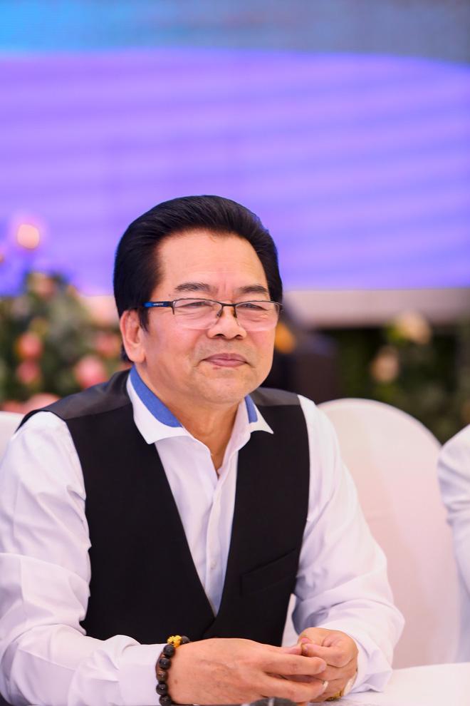NSND Trần Nhượng tiết lộ chuyện vợ kém 23 tuổi bán vàng cho chồng làm nghệ thuật - Ảnh 1