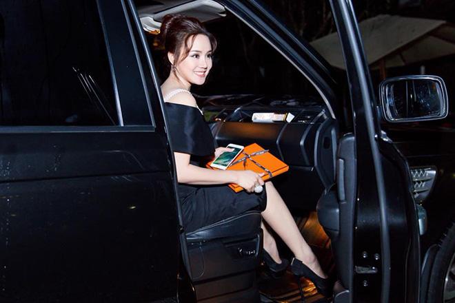 Vy Oanh lên tiếng về tin đồn được đại gia mua siêu xe 7 tỷ đồng - Ảnh 1
