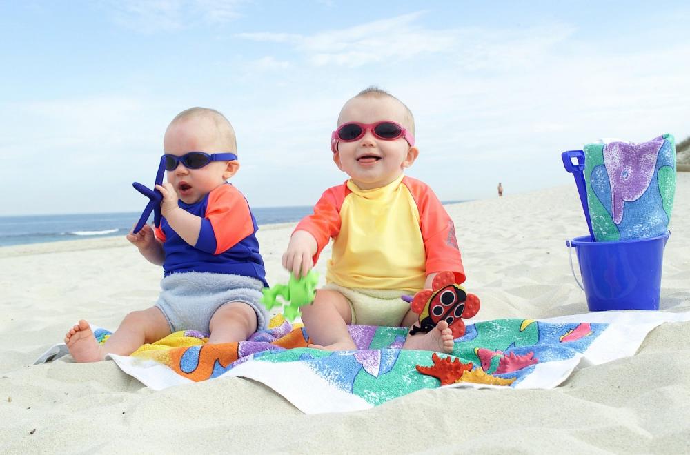Cách chống nóng ngày hè giúp trẻ phòng ngừa bệnh tật - Ảnh 1