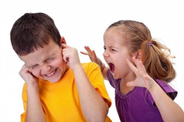 Cách xử trí khi con trẻ đánh bạn ở trường - Ảnh 1