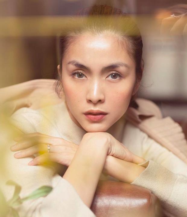Loạt ảnh mới bảo chứng thần thái đỉnh cao của Hà Tăng, nhẫn cưới trên ngón áp út nàng dâu nhà tỷ phú gây chú ý - Ảnh 3