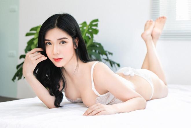 Sau ảnh hở nửa bầu ngực, Thanh Bi lên tiếng về cảnh nóng với Việt Anh - Ảnh 1