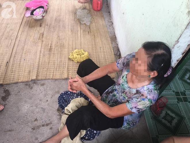 Bà nội bé gái 10 tuổi nghi bị bố ruột hiếp dâm nhiều lần ở Long An: Con bé sợ cả nhà bị bố giết nên nào dám kể cho ai nghe - Ảnh 6