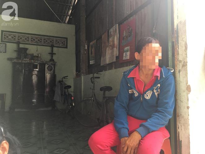 Bà nội bé gái 10 tuổi nghi bị bố ruột hiếp dâm nhiều lần ở Long An: Con bé sợ cả nhà bị bố giết nên nào dám kể cho ai nghe - Ảnh 7