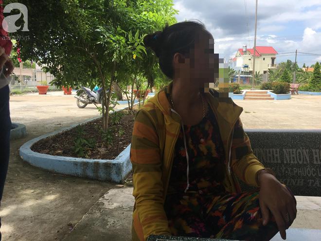 Bà nội bé gái 10 tuổi nghi bị bố ruột hiếp dâm nhiều lần ở Long An: Con bé sợ cả nhà bị bố giết nên nào dám kể cho ai nghe - Ảnh 9
