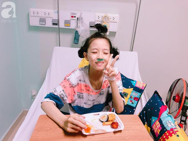 Mỹ Hiếu - cô gái xinh xắn phải cắt bỏ một chân vì ung thư xương đã mãi mãi ra đi ở tuổi 16 - Ảnh 1