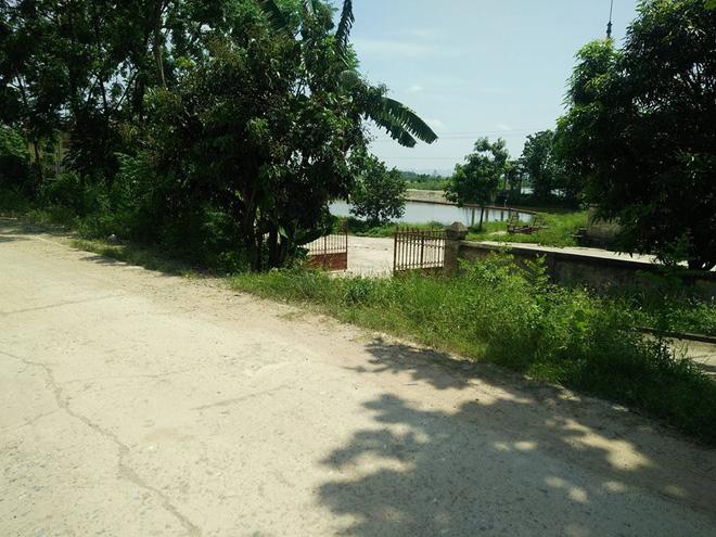 Nhân chứng kể lại vụ nam thanh niên vượt gần 40km rủ bà bầu đi nhà nghỉ bị 5 người hành hung từ quốc lộ đến tận đường làng - Ảnh 2