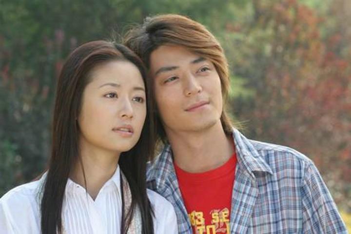 Những cặp đôi phim giả tình thật được yêu mến nhất màn ảnh nhỏ Hoa ngữ - Ảnh 1