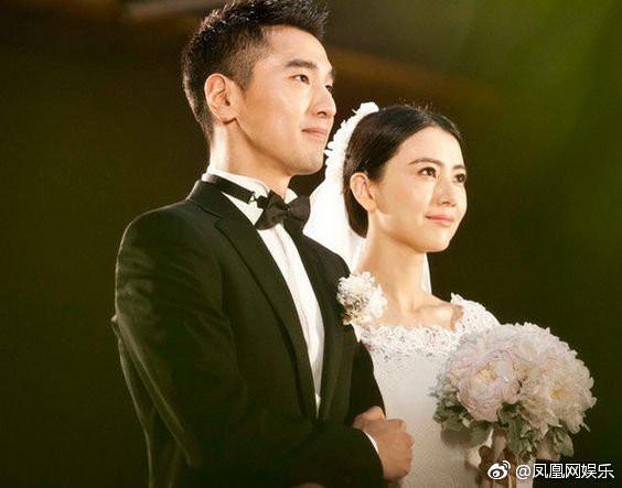 Những cặp đôi phim giả tình thật được yêu mến nhất màn ảnh nhỏ Hoa ngữ - Ảnh 9