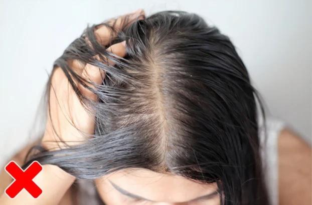 7 lý do vì sao bạn không bao giờ nên để tóc ướt đi ngủ - Ảnh 5