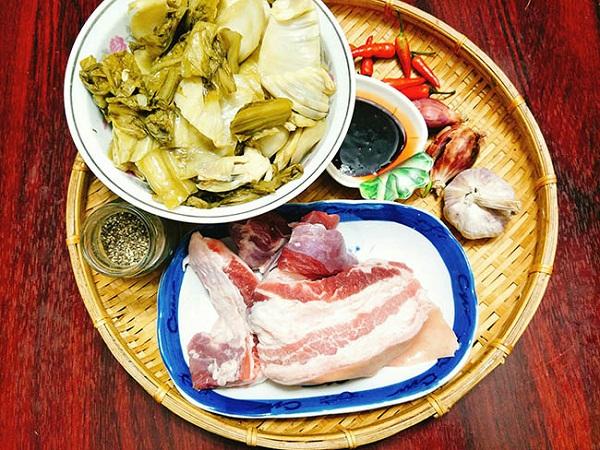 Cách làm món thịt ba chỉ kho dưa chua đậm đà cả nhà vét sạch nồi cơm - Ảnh 1