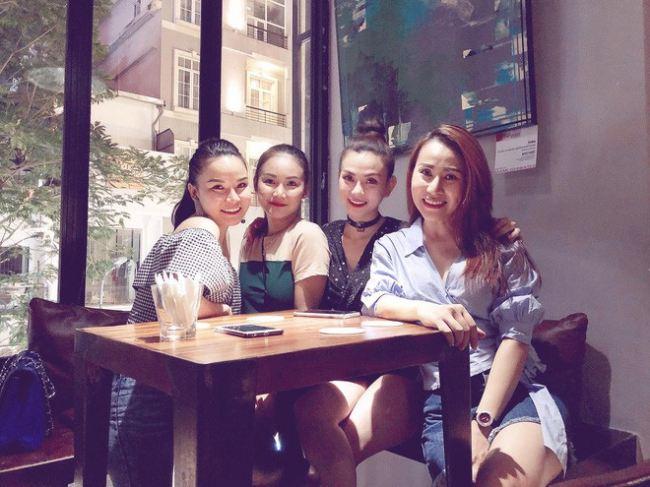 Em gái Yến Trang phản pháo giùm chị khi bị nói 'sân si' - Ảnh 3