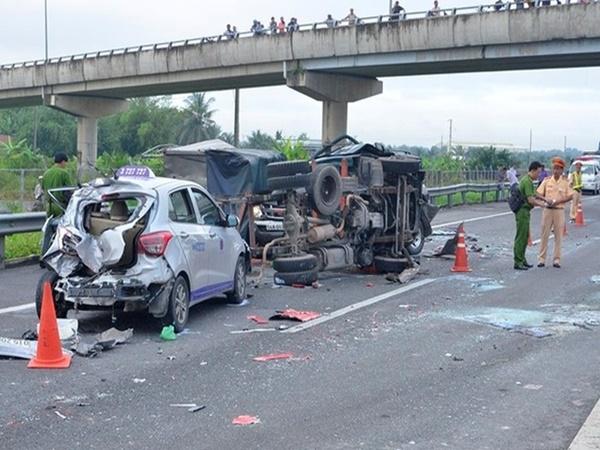 Cả nước có hơn 4.100 người chết vì tai nạn giao thông - Ảnh 1