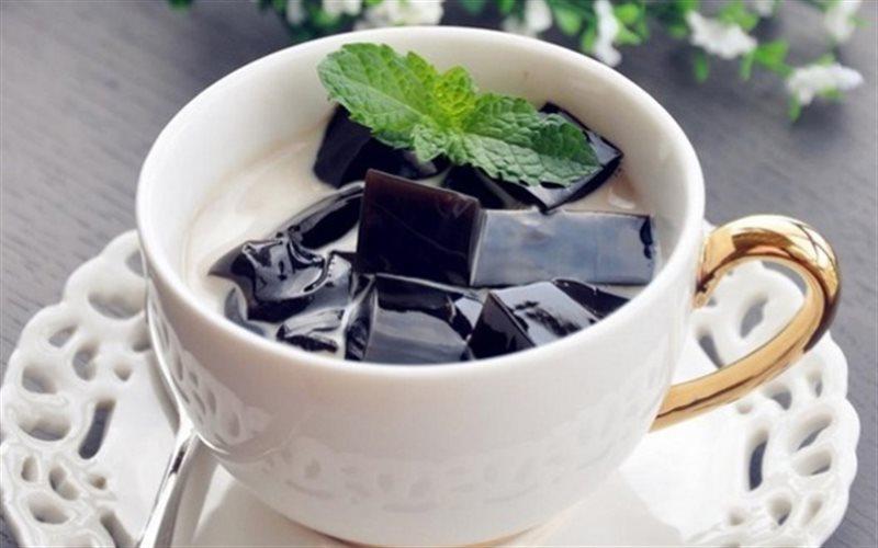 Nắng nóng oi bức, học ngay cách làm trà sữa sương sáo giải nhiệt cực đã - Ảnh 1