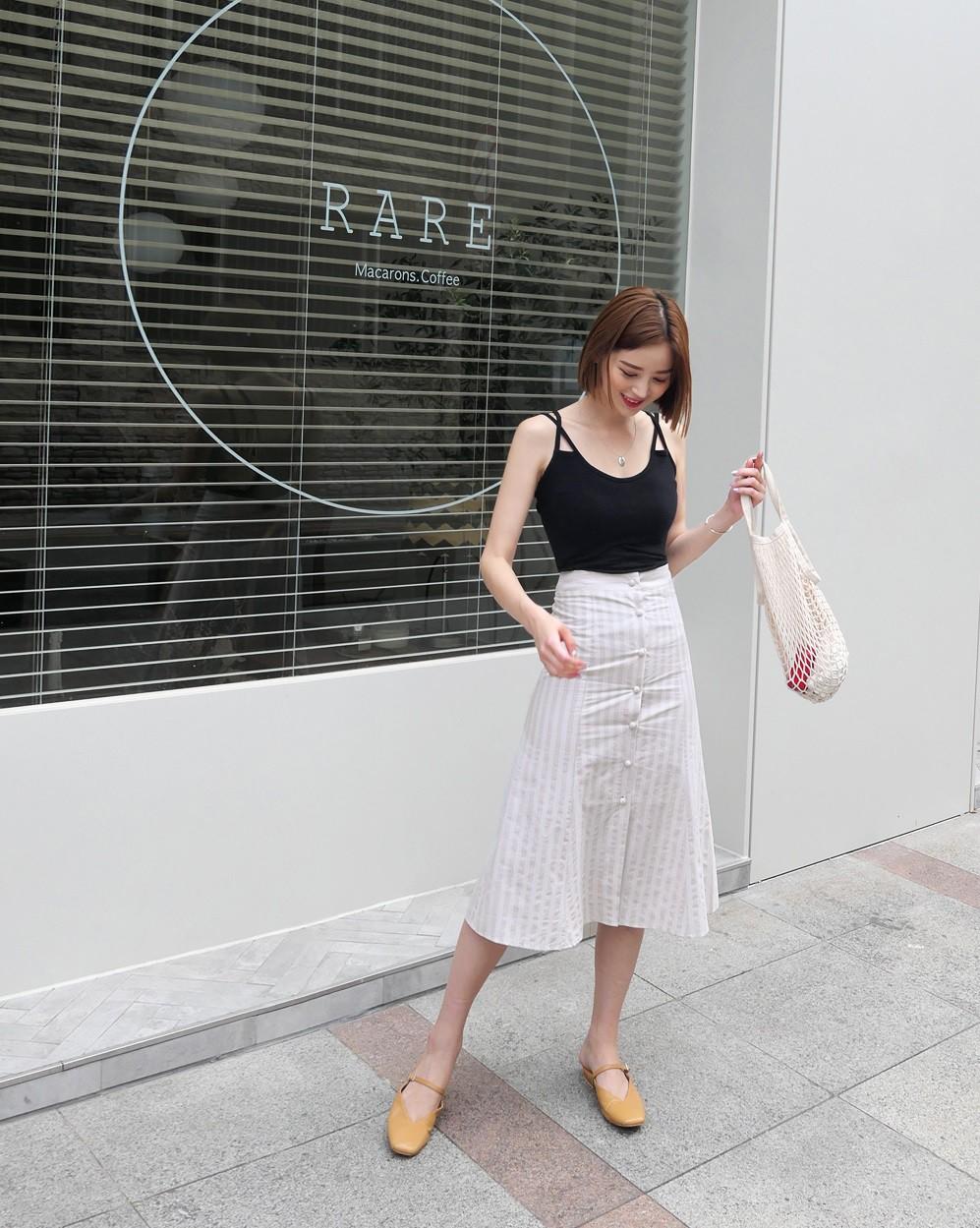 Chân váy midi vừa chống nắng lại có tới tận 4 cách lên đồ cực xinh thế này thì ngại gì mà không thử! - Ảnh 5
