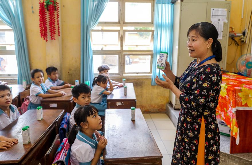 Sữa học đường TP. Hồ Chí Minh: Chương trình nhân văn đem lại nhiều niềm vui cho con trẻ - Ảnh 2