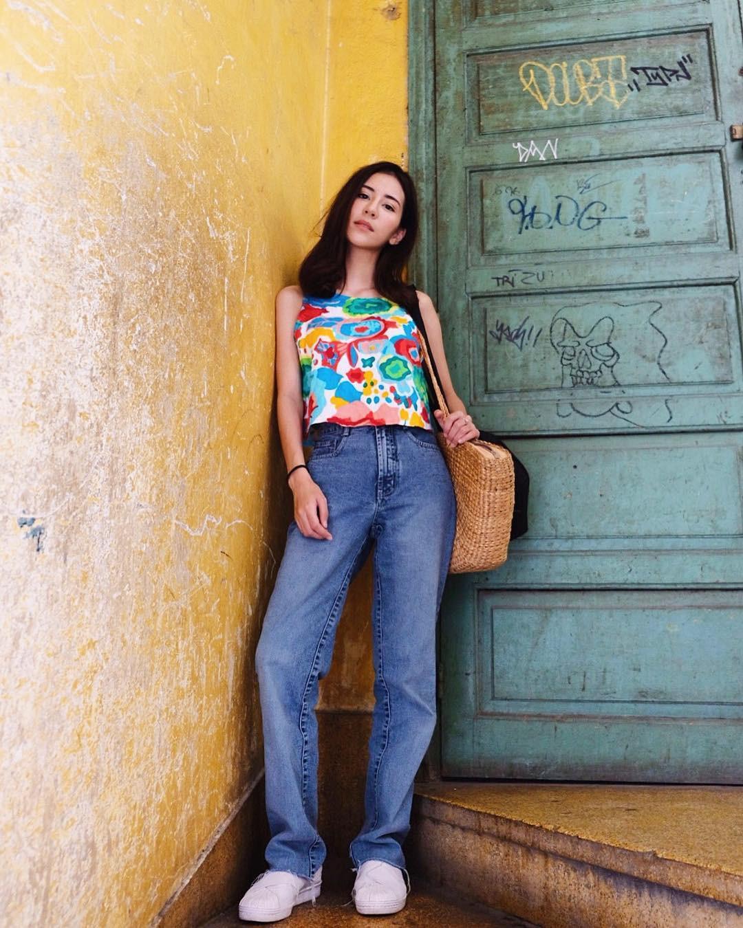 19 chiêu mix&match chất lừ với quần jeans ống rộng, cứ mặc lên là cao thêm cả chục phân chứ chẳng ít - Ảnh 6