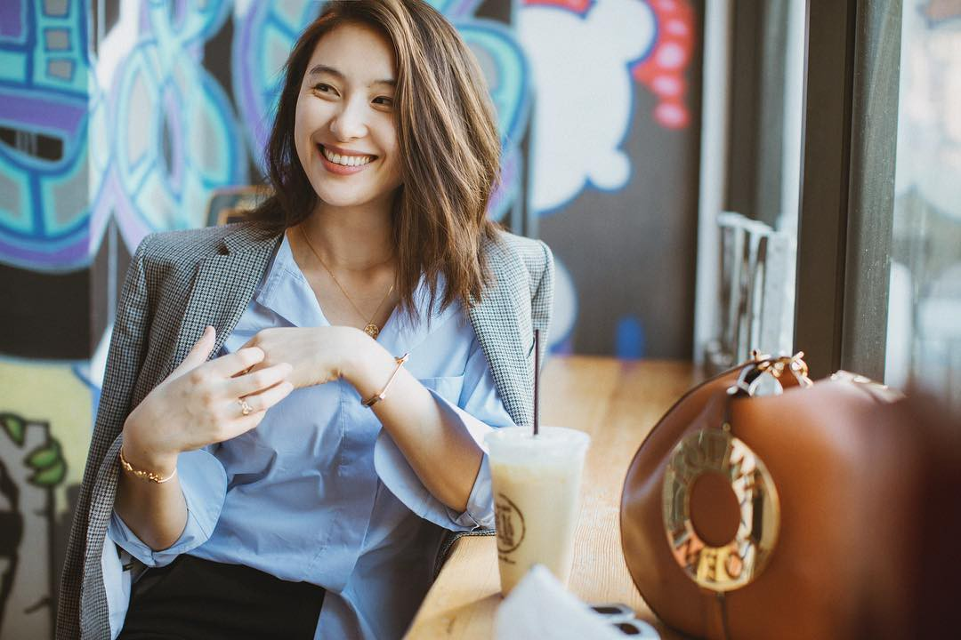 Mặc đẹp và sang bất chấp tuổi tác không khó, chỉ cần các quý cô tuân theo 6 nguyên tắc này - Ảnh 5