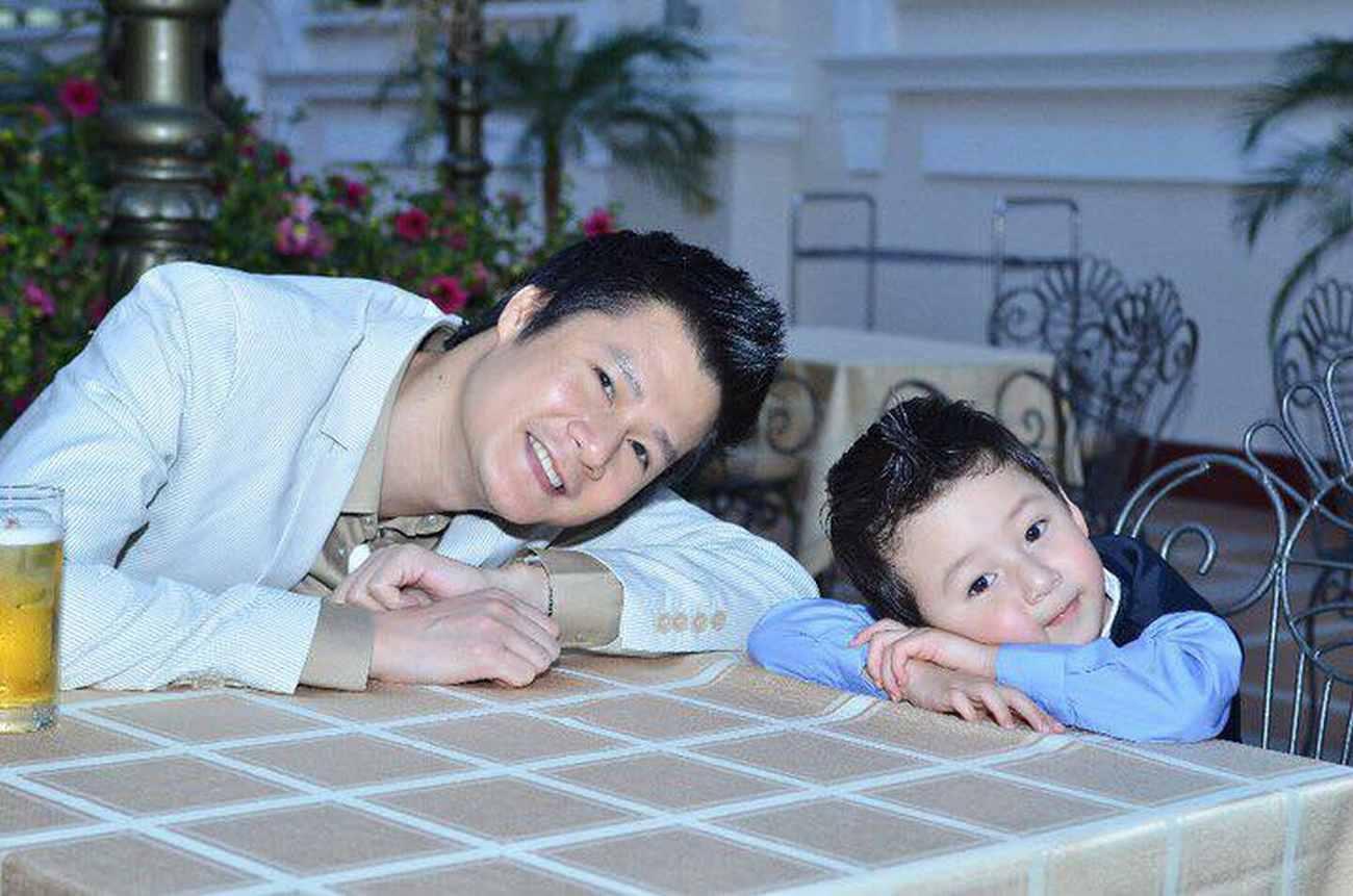 Sau nhiều năm xa cách, Jennifer Phạm vỡ òa khi được đón con trai riêng về sống chung - Ảnh 4