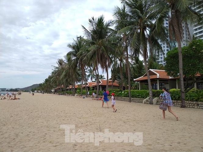 """Cao ốc, khách sạn chọc trời đua nhau """"che"""" mặt biển Nha Trang - Ảnh 4"""