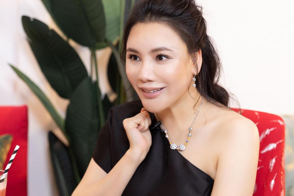 Hồ Quỳnh Hương: 'Tôi chảnh, rất lụy tình và tiêu tiền không cần đếm!' - Ảnh 1