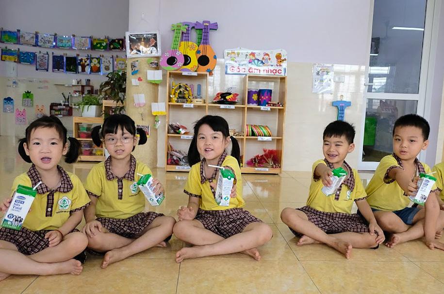 Hơn 1 triệu trẻ mẫu giáo và học sinh tiểu học Hà Nội tham gia chương trình Sữa học đường - Ảnh 7