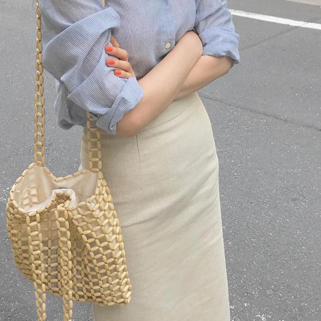 4 công thức Hàn Quốc trendy nhất đợt này, mặc đi làm vừa xinh vừa hợp chụp ảnh 'sống ảo' - Ảnh 7