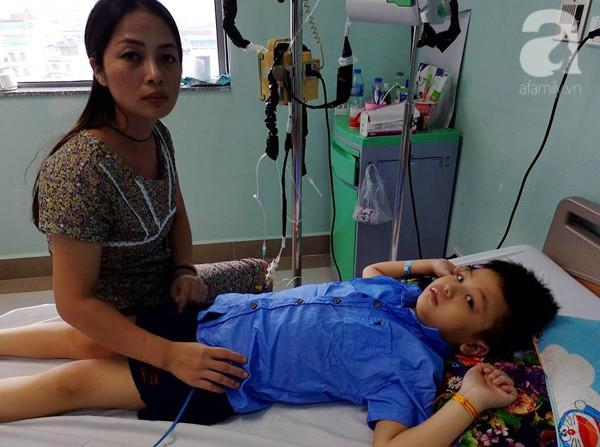 Bé trai 8 tuổi bị ung thư máu và câu hỏi trước ngày khai giảng khiến người mẹ đơn thân òa khóc - Ảnh 3