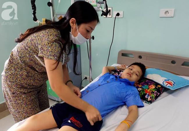 Bé trai 8 tuổi bị ung thư máu và câu hỏi trước ngày khai giảng khiến người mẹ đơn thân òa khóc - Ảnh 4