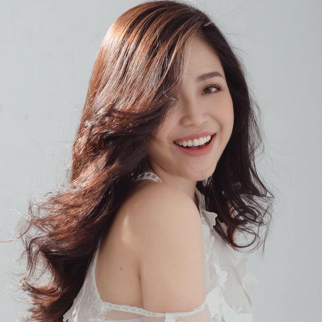 Nhan sắc xinh đẹp và thông tin hiếm hoi về hot girl kiêm MC Cao Vy - Ảnh 2