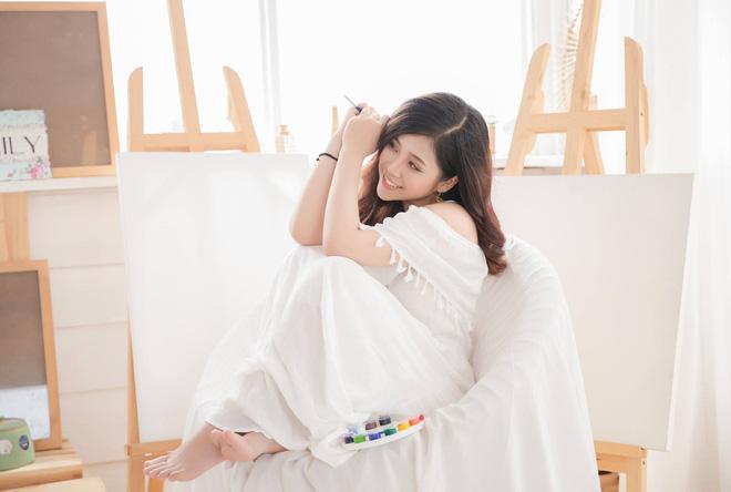 Nhan sắc xinh đẹp và thông tin hiếm hoi về hot girl kiêm MC Cao Vy - Ảnh 6