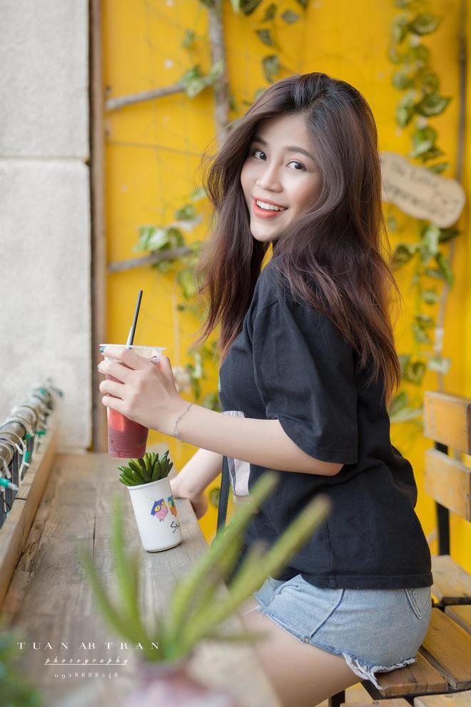 Nhan sắc xinh đẹp và thông tin hiếm hoi về hot girl kiêm MC Cao Vy - Ảnh 8