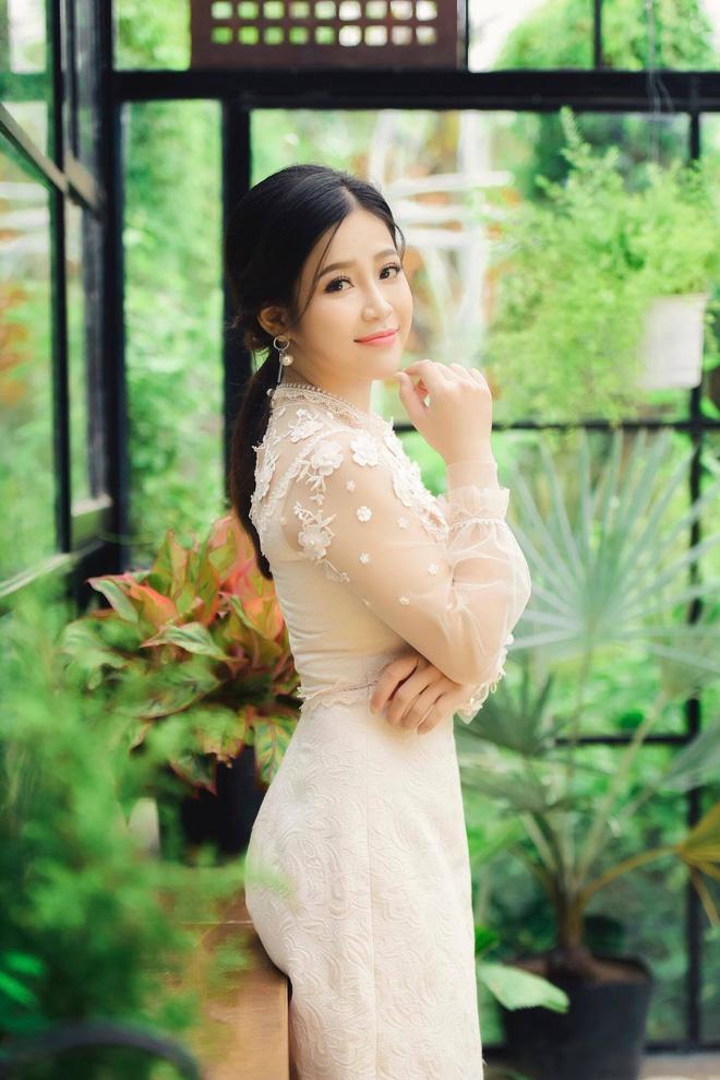 Nhan sắc xinh đẹp và thông tin hiếm hoi về hot girl kiêm MC Cao Vy - Ảnh 10