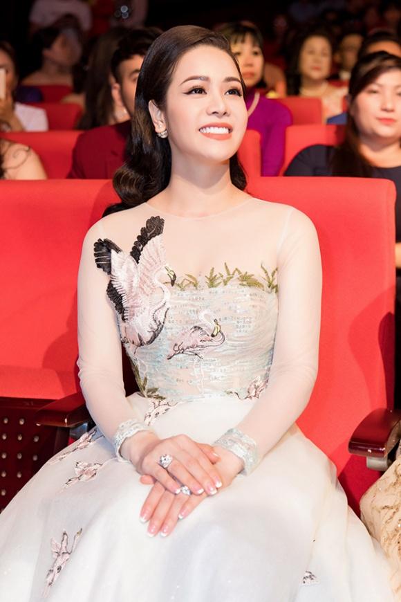 Nhật Kim Anh: 'Có thời gian tôi như bị trầm cảm, cảm thấy ai cũng ghét bỏ mình' - Ảnh 4