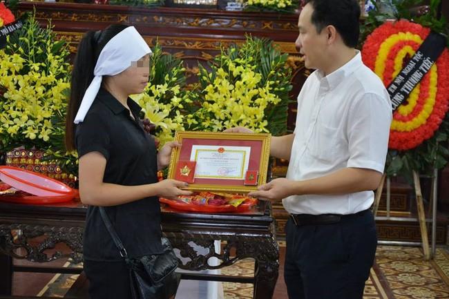 Kỹ sư xây dựng Hà Nội gặp nạn khi công tác ở đảo trong Nam, vợ nghẹn ngào hiến tạng chồng cứu 4 người xa lạ - Ảnh 4