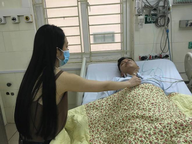 Sau sự cố hủy liveshow, Tuấn Hưng bất ngờ nhập viện - Ảnh 1