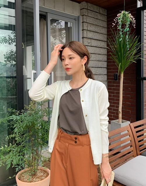 4 cách ứng dụng cardigan cho nữ công sở ngày giao mùa - Ảnh 1