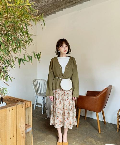 4 cách ứng dụng cardigan cho nữ công sở ngày giao mùa - Ảnh 5