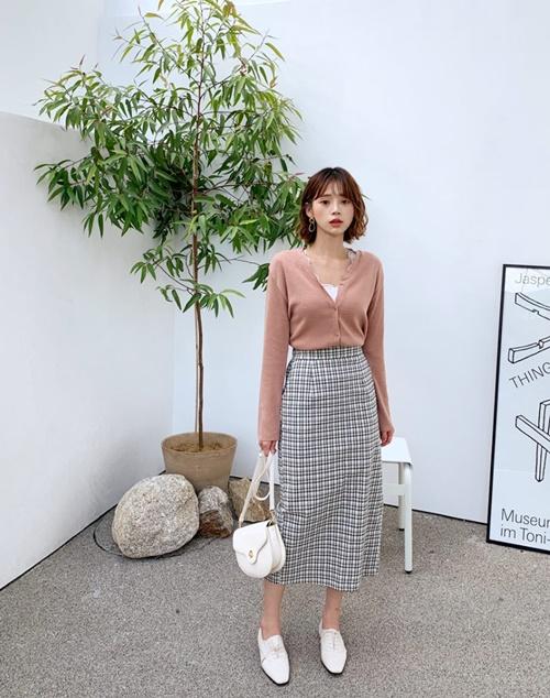 4 cách ứng dụng cardigan cho nữ công sở ngày giao mùa - Ảnh 6