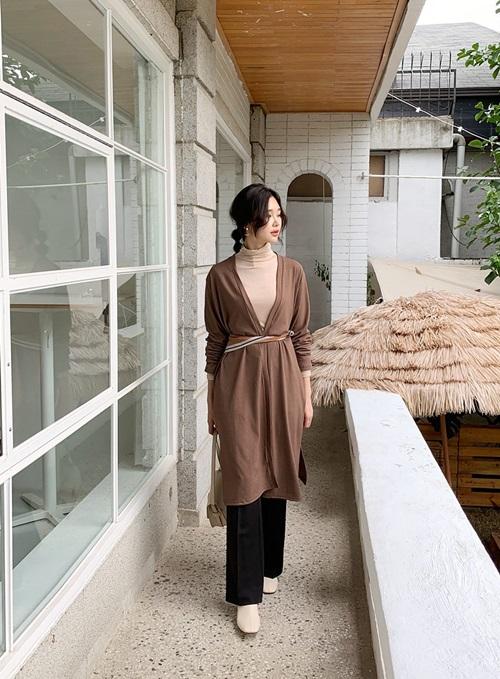 4 cách ứng dụng cardigan cho nữ công sở ngày giao mùa - Ảnh 8
