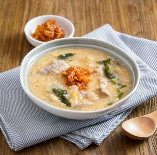Học người Hàn cách nấu cháo thịt thơm ngon, ai thử cũng thích! - Ảnh 6
