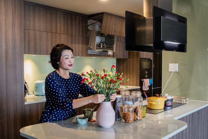 Chủ nhà gộp ba căn hộ để có phòng khách hơn 100 m2 - Ảnh 4