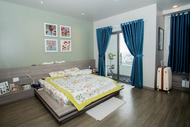 Chủ nhà gộp ba căn hộ để có phòng khách hơn 100 m2 - Ảnh 9